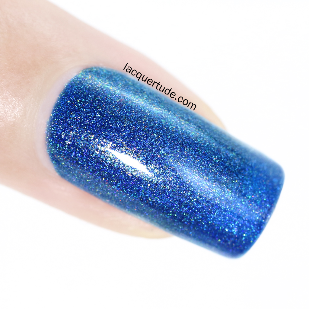 FUN-Lacquer-Dazzling Blue-Swatch-Macro